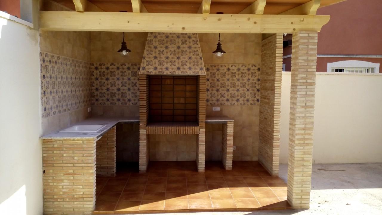 Estudio tm proyectos y obras piscinas paelleros porches y p rgolas - Paelleros de obra modernos ...